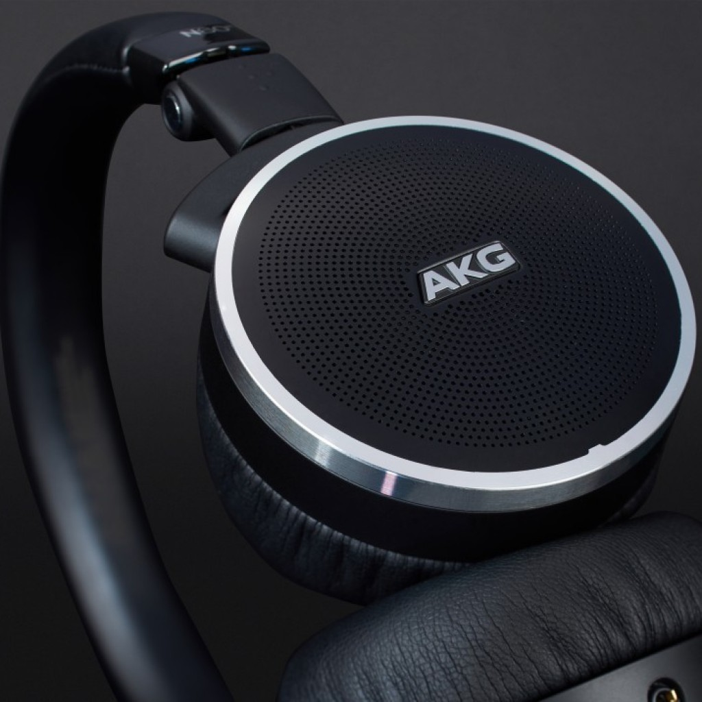AKG N60 NC Close Look