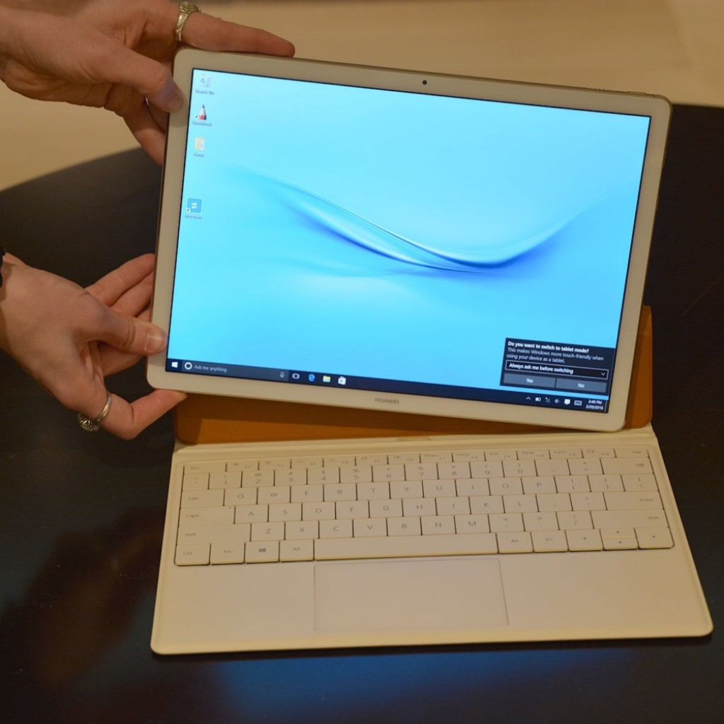 Huawei Matebook in Use