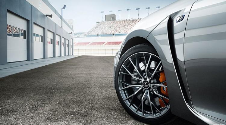 Летние шины на Lexus