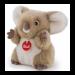 Цены на Trudi Коала - пушистик 24 см  -  мягкая игрушка Мягкая игрушка Коала - пушистик настолько симпатична,   что ни один ребенок не сможет пройти мимо нее. Невероятно пушистая и приятная на ощупь коала имеет шерстку белого и коричневого цветов. Очень милые черные глаз